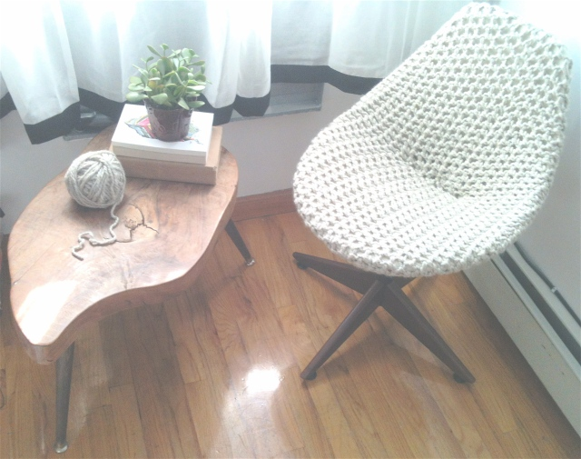 Mennlay's DIY Chunky Knit Lounge Chair